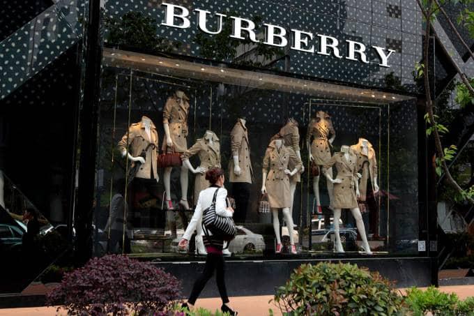 Burberry deixará de usar peles de animais